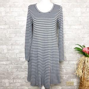 Gilli | Gray Striped Long Sleeve Dress Medium
